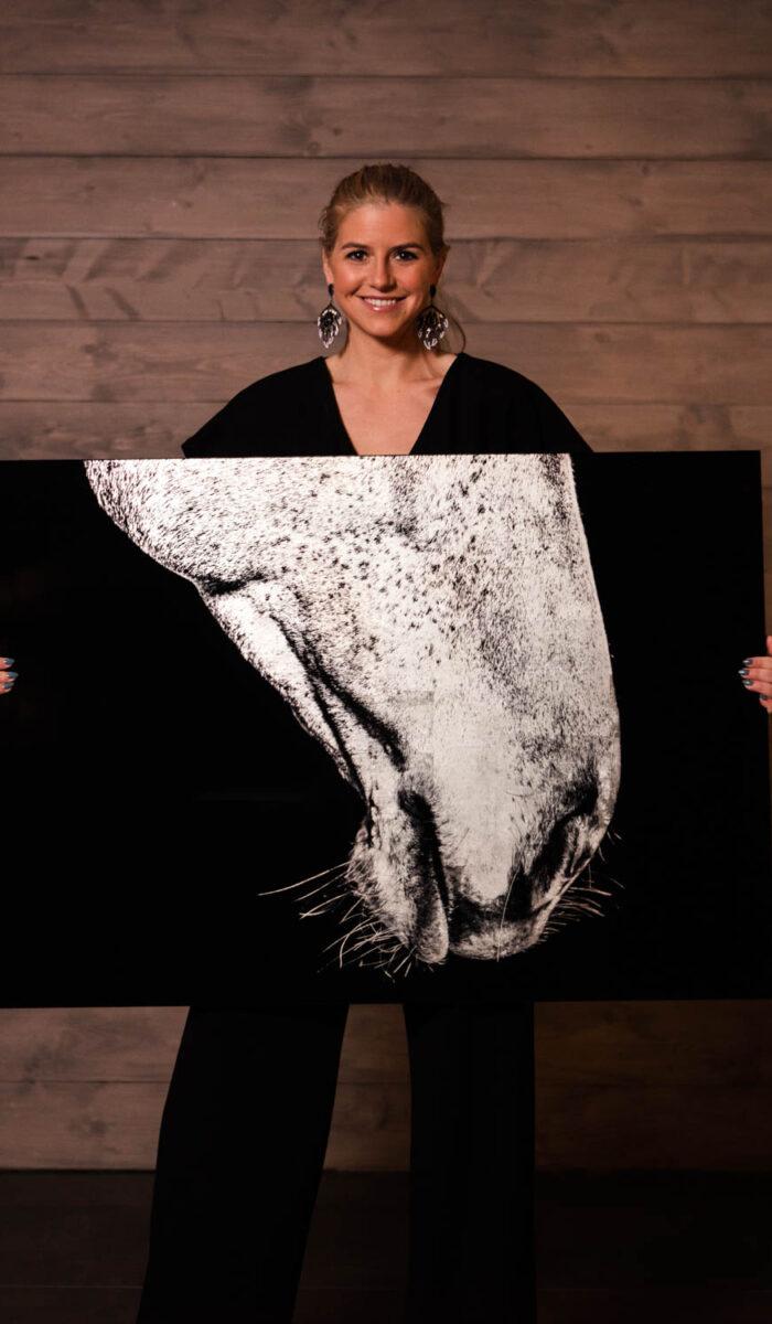 Philippa Davin and her equestrian art